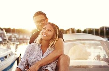 Die große Liebe, gute Freunde oder einfach nette Bekanntschaften - in einer Partnerbörse warten zahlreiche Singles auf dich!