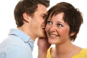 Im Online Chat fällt das Flirten viel leichter. Selbst schüchterne Leute haben hier gute Chancen einen Partner zu finden.