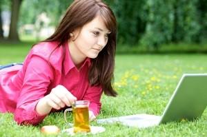 Bei vielen Dating-Portalen fallen bereits bei der Anmeldung Kosten an, nicht so bei bildkontakte.de