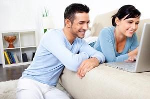 Ein Dating Service ist für alle geeignet, die auf der Suche nach netten Kontakten sind.