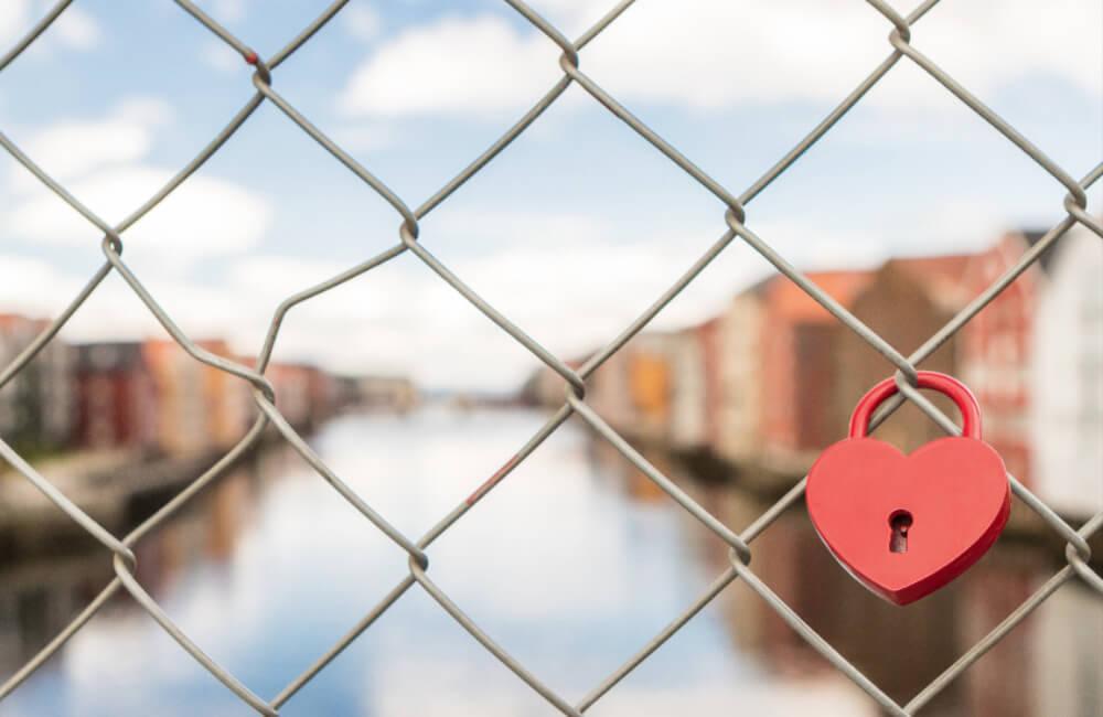 Einleichnachricht auf Dating-Seite Deren in Manchester england